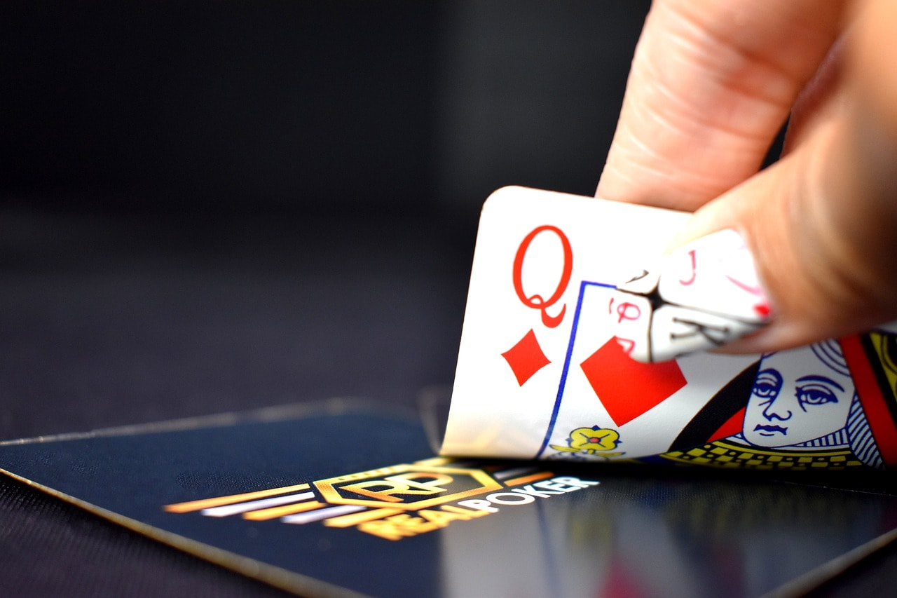 Online Poker: How to be a Pro
